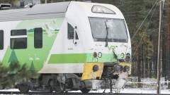 Най-малко четирима загинали при катастрофа на влак с бойна машина във Финландия