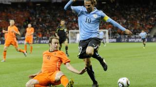 Холандия е първият финалист в ЮАР
