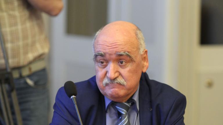 Министърът работи с Плочев, ако НС го остави начело на Здравната каса