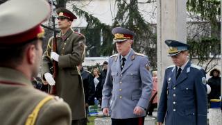 Честването на ВМА: Плевнелиев – вие сте безценни, Борисов – не искам да виждам патоанатомите ви