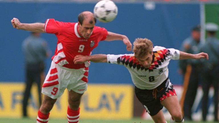 Днес е рождният ден на легендарния български футболист Йордан Лечков.