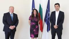 Трима служебни министри се срещнаха с американския посланик