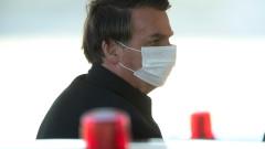 """Болсонару """"разкъсан"""" в Бразилия след хаотичен план за ваксинацията"""