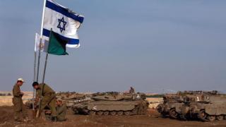 Израел удари по Хамас