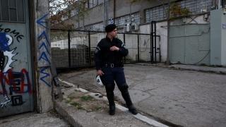 Заложиха бомба пред трудовото министерство в Атина