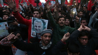 Великобритания смъмри посланика на Иран заради ареста на посланика ѝ