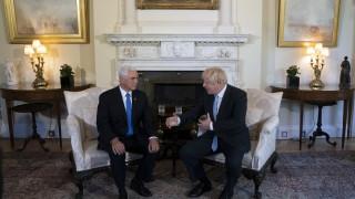 Джонсън пред Пенс: Великобритания не се интересува от хлорираните пилета на САЩ