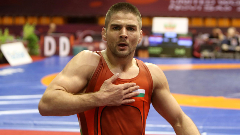 Иво Ангелов на финал на Държавното първенство по борба
