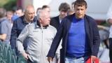 Стойне Манолов раздава билети за Шампионската лига в съблекалнята на Царско село