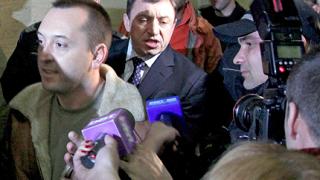 Алексей остава в ареста, съдът пуска петима