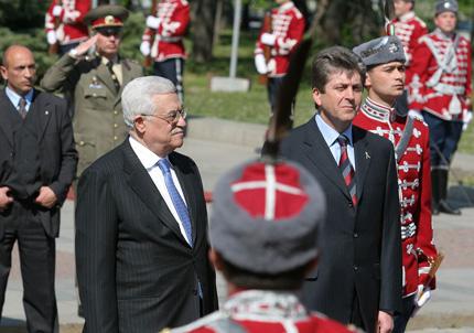 Абас доволен, че ще откриваме посолство в Рамалла