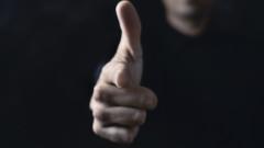 Обвиниха двама за въоръжен грабеж на бензиностанция в Казанлък