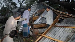 2400 са вече жертвите в Бангладеш