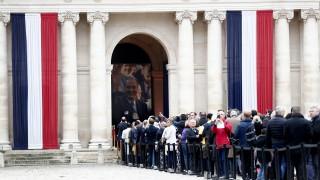 Французите изпращат Жак Ширак