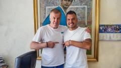 Валери Божинов официално приключи с Левски, дари заплатите си на клуба
