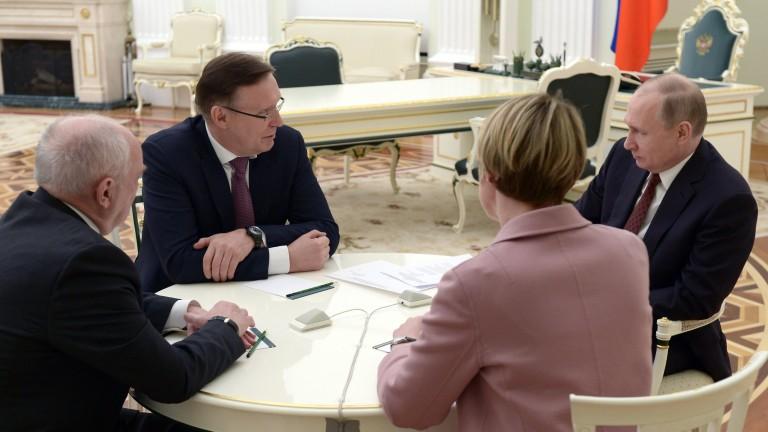 Руският лидер Владимир Путин заяви, че Москва няма да влиза