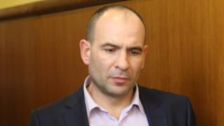 Документите за Божков още се превеждат на арабски