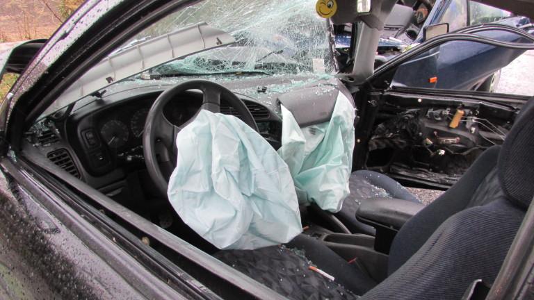 Издирват избягала шофьорка, предизвикала катастрофа на Околовръстното
