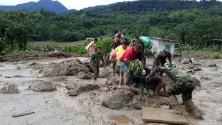 Колумбия обяви извънредно положение, повече от 270 загинали след свлачището