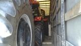 На ГКПП-Лесово задържаха нелегални имигранти, скрити в тир с трактори