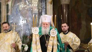 Патриарх Неофит благослови християните