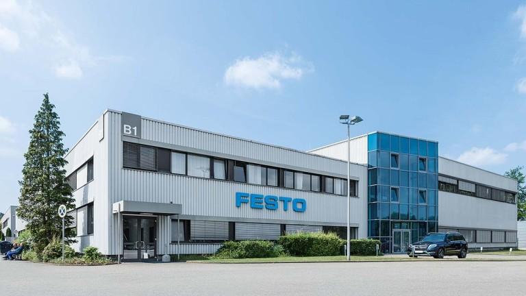 Германският индустриален концерн Festo разширява производството си и удвоява служителите