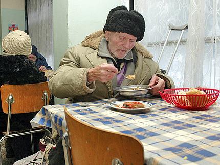 БЧК раздава хранителни продукти от ЕС