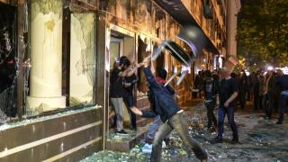 Размирици в Скопие, искат оставката на президента