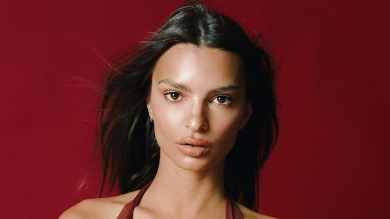 Емили Ратайковски вече не е толкова секси