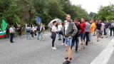 Жители на Калофер блокират Подбалканския път заради безводие