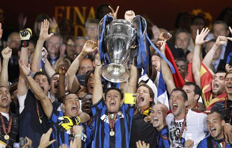 В Италия хвалят Интер и тъгуват за Моу