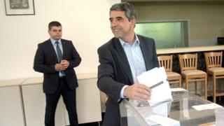 Българите да гласуват и за референдума, ако искат да имат думата, призова президентът