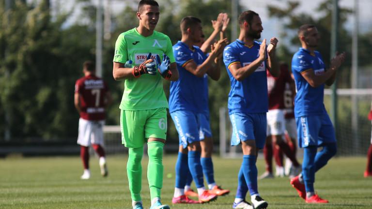 Левски хвърля 16-годишен срещу Славия