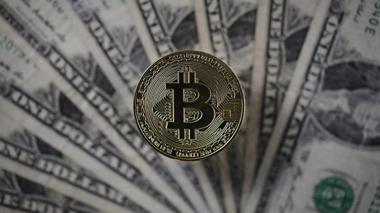Bitcoin ще достигне и надмине 100 000 долара през 2018
