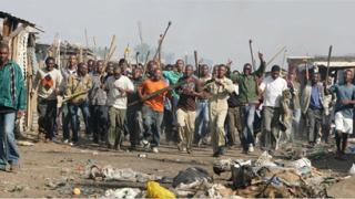Над 50 загинали при насилието в Йоханесбург