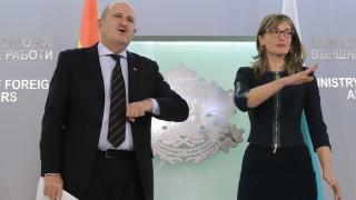 Захариева подготвя гласуването на българите в чужбина още от есента