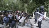 Стотици мигранти щурмуваха Сеута в опит да достигнат Европа