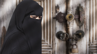 Холандия наложи частична забрана на никаба и бурката