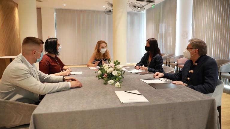 Новата министърка на туризма Марияна Николова призова българите да изберат
