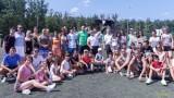 Козмин Моци и орлицата Фортуна зарадваха деца и младежи на лагер край морето