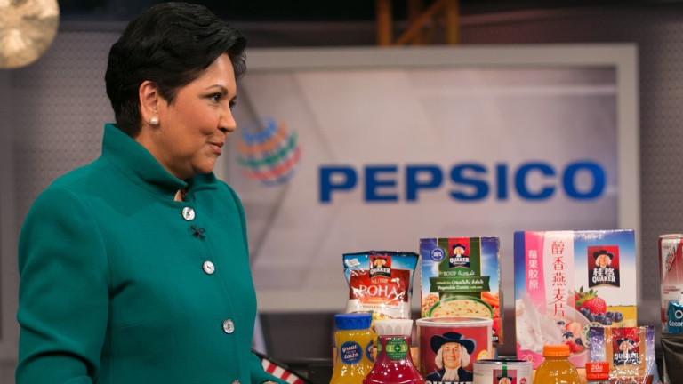 Бившият шеф на PepsiCo Индра Нуйи, заместник-министъра на финансите на