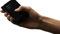 Първи изтекли снимки на сгъваемия Motorola Razr
