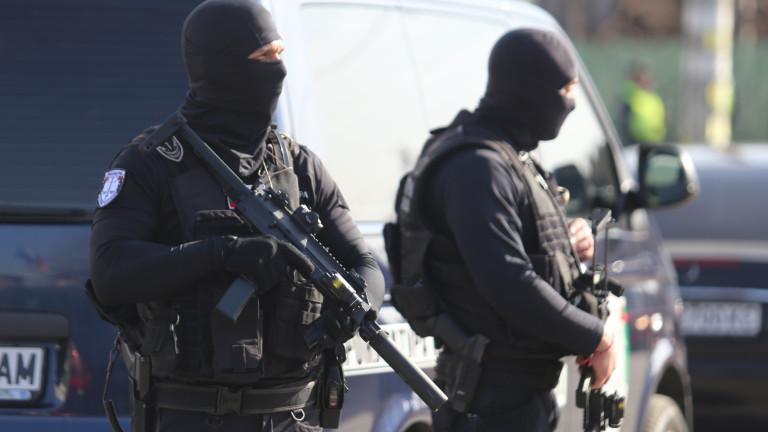 Задържаха трима участници в международна организирана престъпна група за трафик