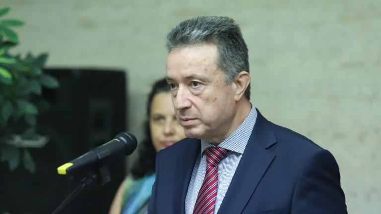 Янаки Стоилов: Аз няма да се движа с няколко големи служебни автомобила