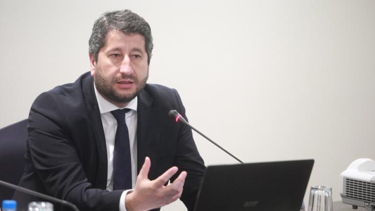 Ексминистър Иванов предизвика Цацаров: Реформирайте прокуратурата
