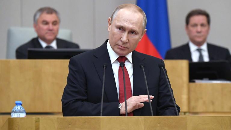 """Путин нарече Ходорковски """"мошеник"""" и намекна, че бил свързан с убийства"""