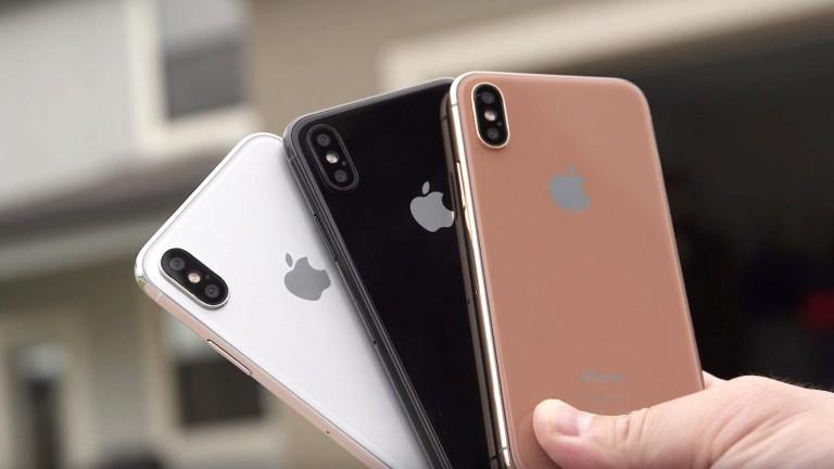 Apple ще представи юбилейния си iPhone утре. Две големи изтичания