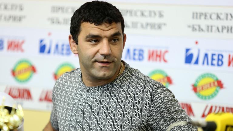 Петър Касабов: Тайбе е професионалист и ще се справи, травмите в борбата са неминуеми