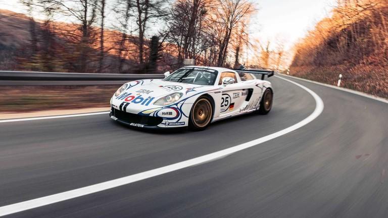 Това е единственото Porsche Carrera GT-R. И се продава