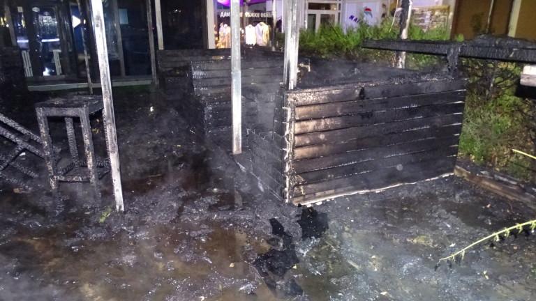 Заведение в Благоевград горя, няма ранени